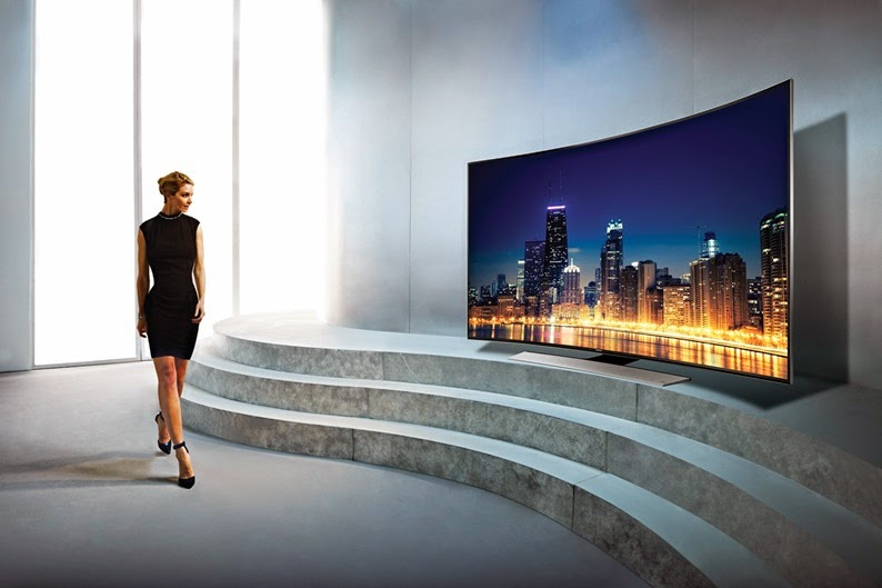 Primeira TV da Samsung com tela curva e resolução Ultra HD