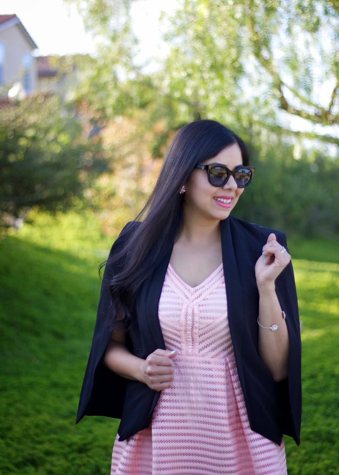 Mexican style blogger, Mexican fashion blogger, latina blogger, Black cape blazer, sheinside capelet