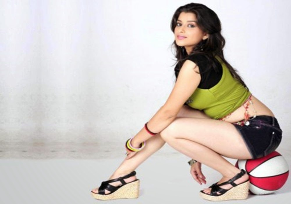 actress madhurima hot photo shoot