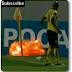Jugador encuentra una granada en medio de un partido de futbol.