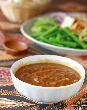 how to make thai peanut sauce recipe?