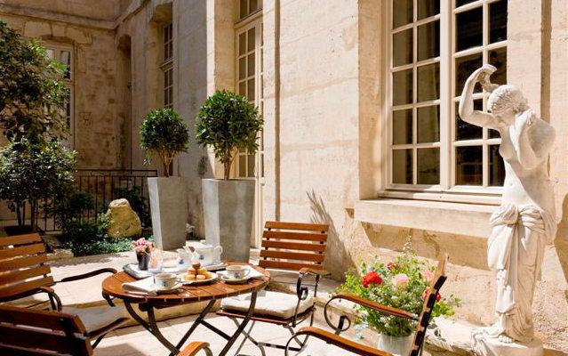 Cafe Laurent Paris Patio