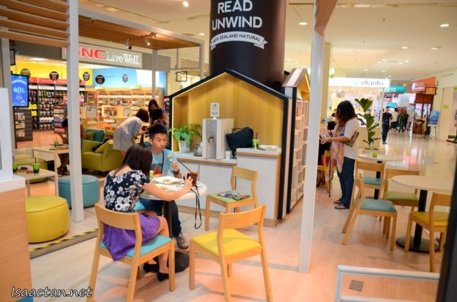 New Cafe Concept where you will be able to unwind and enjoy your favourite pastries and ice cream