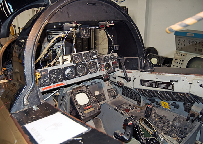 F 14 Rear Cockpit Back > Gallerie...