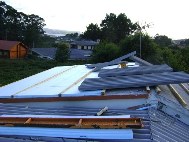 El sexagenario cubierta tejado de una casa unifamiliar for Aislante para tejados