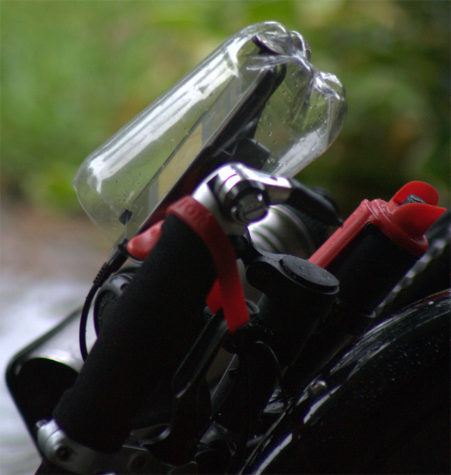 Protetor de chuva para iPhone ou celular de garrafa PET
