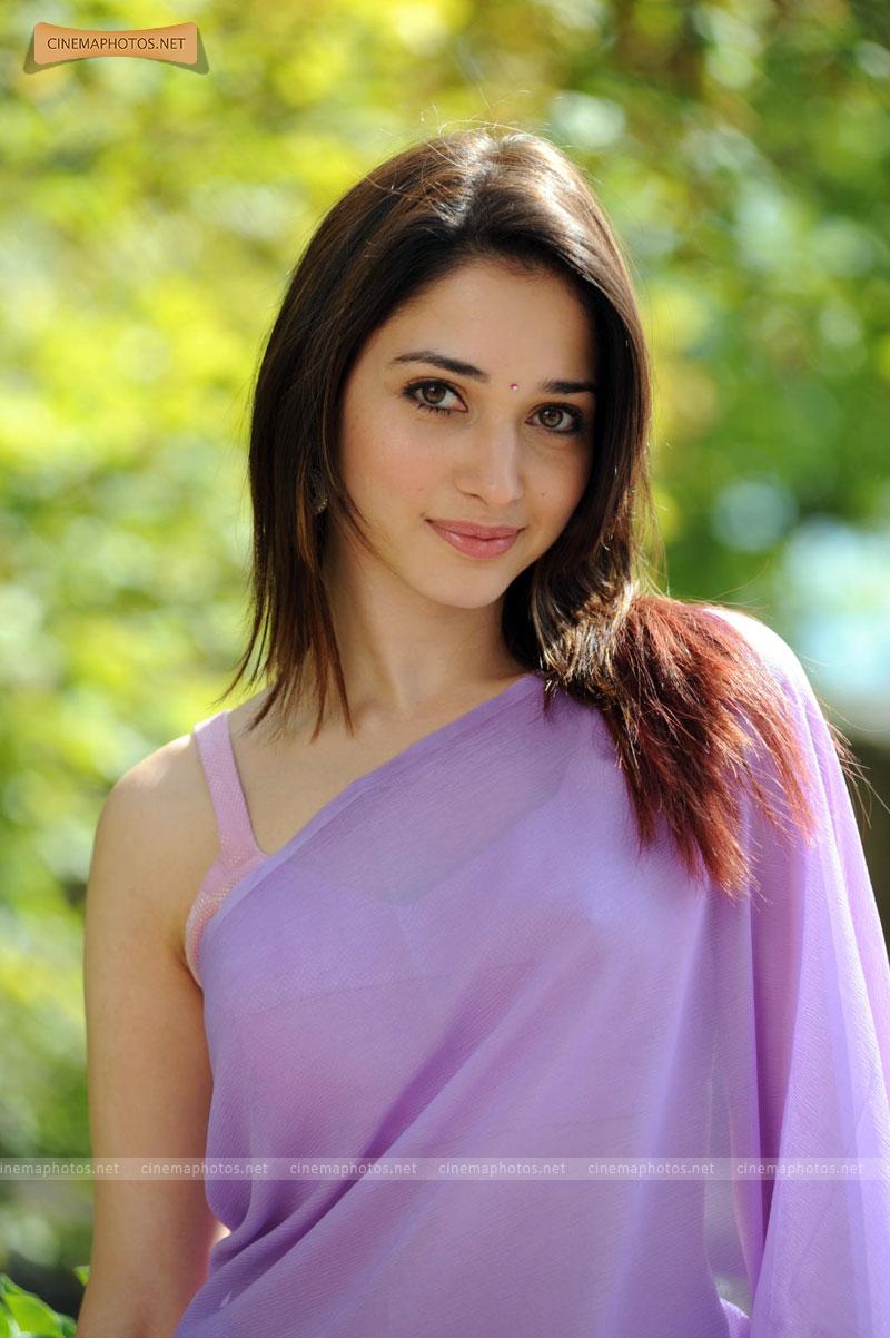 indian actress tamanna bhatia oosaravelli hot song