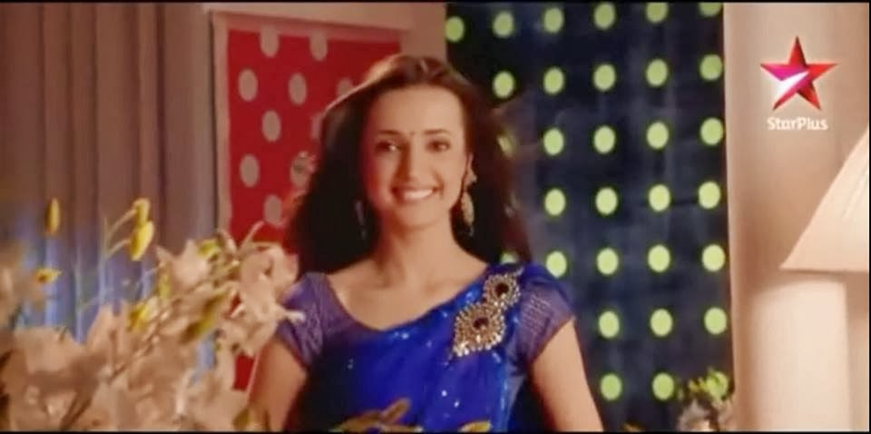 Sanaya Irani & Karan Godwani Dancing on Desi Girl