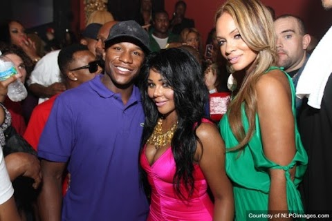 Is Lil Kim and Floyd Mayweather Jr. Dating?