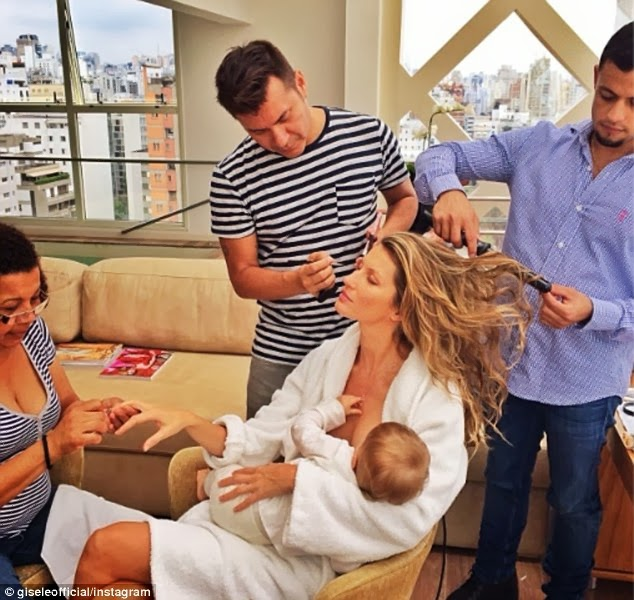 Multi-tasking Model Mom and Football Wife Gisele