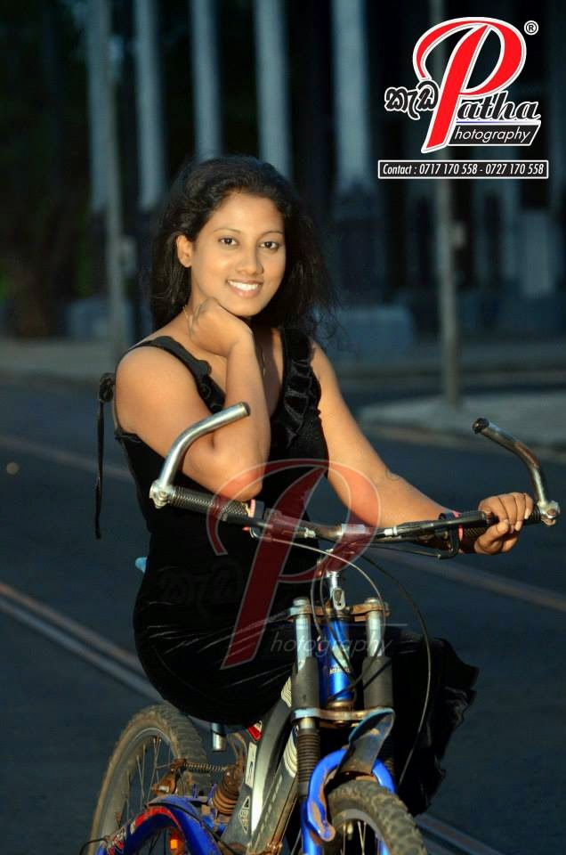 Shalika Edirisinghe black hot