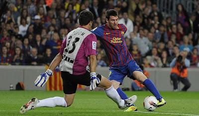 Barcelona 3 - 0 Racing Santander (3)