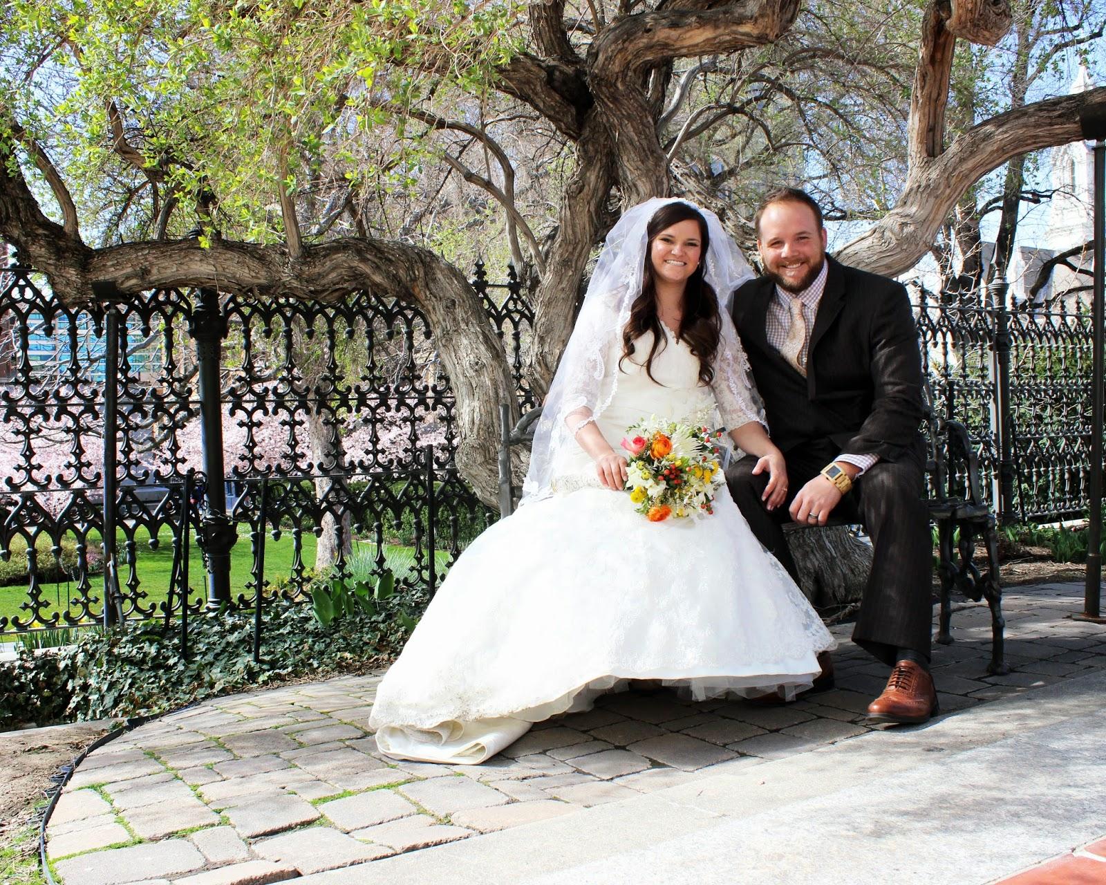http://www.sarahrossphoto.com/2014/06/wedding.html