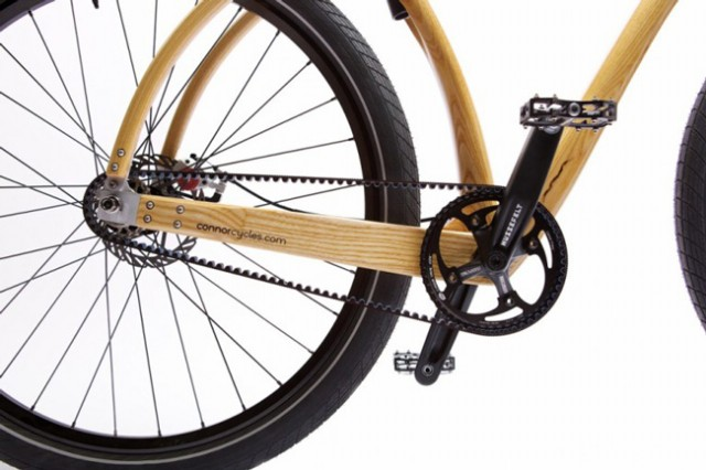 Bicicleta tem quadro construído com bambu