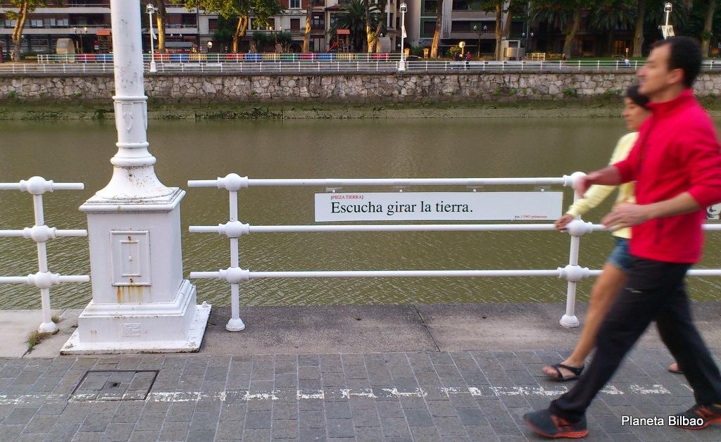 Mensajes de Yoko Ono para los bilbainos. Guggenheim de Bilbao