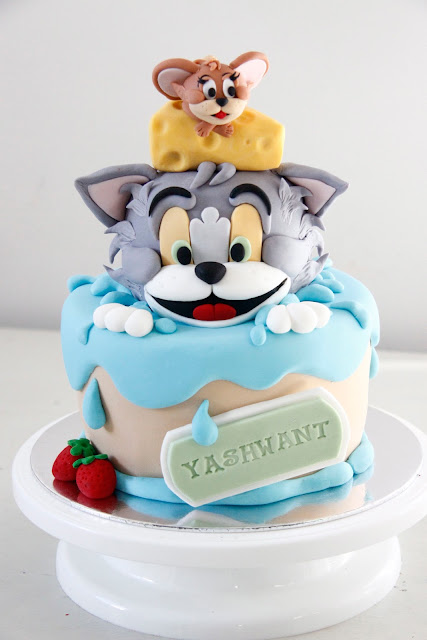 bakeaboo Tom and Jerry birthday cake and Simple chocolate