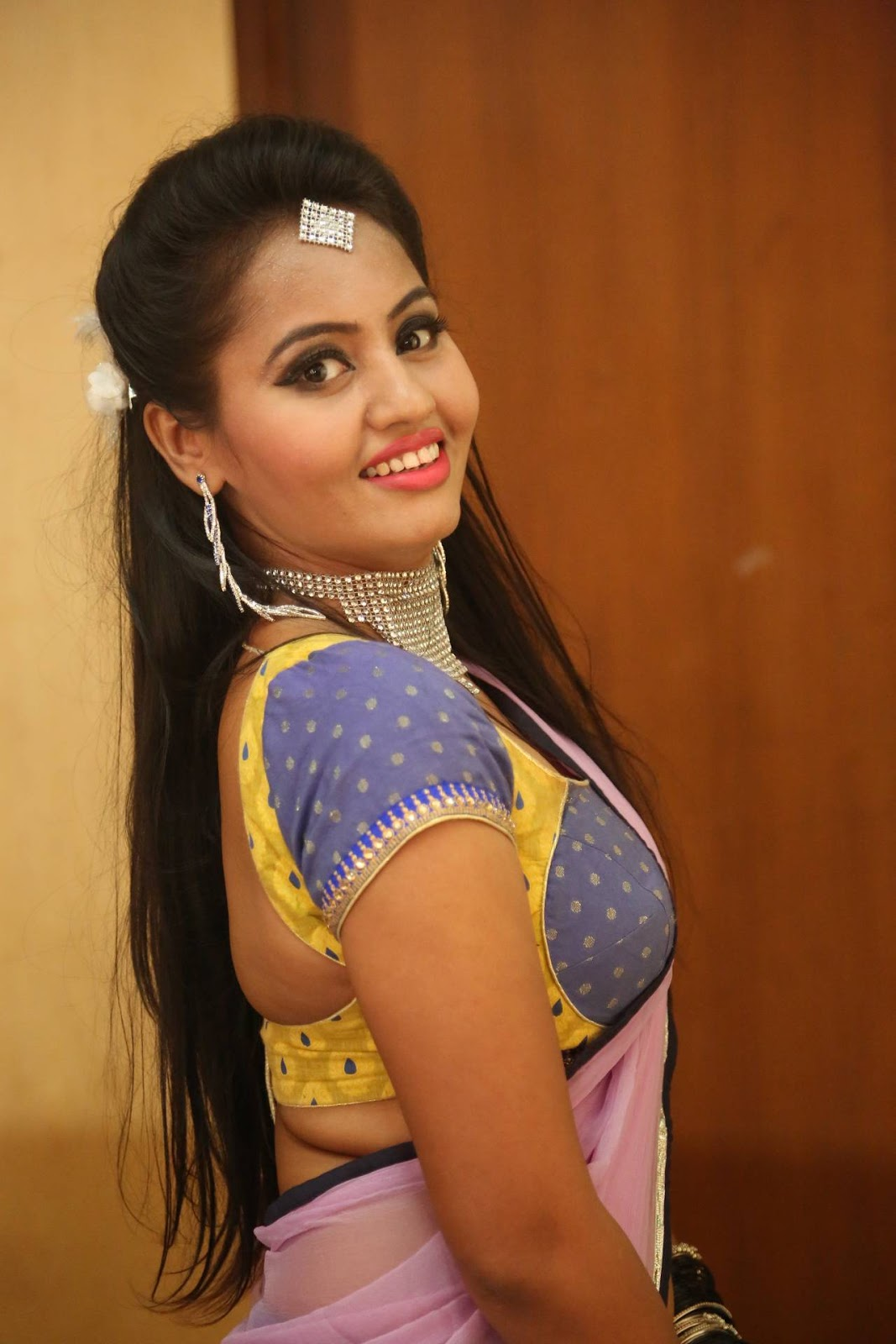 Neetha sizzling photo shoot in half saree-HQ-Photo-20