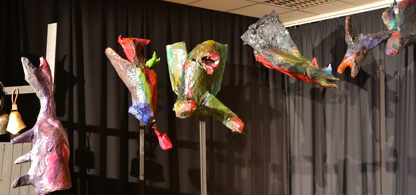 kunst am ernst barlach gymnasium castrop rauxel klasse 7 figuren aus pappmach in anlehnung. Black Bedroom Furniture Sets. Home Design Ideas