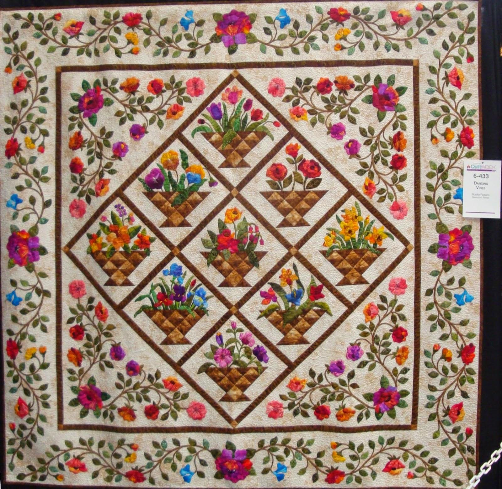 Quilts Appliqué on Pinterest | Applique Quilts, Antique ...