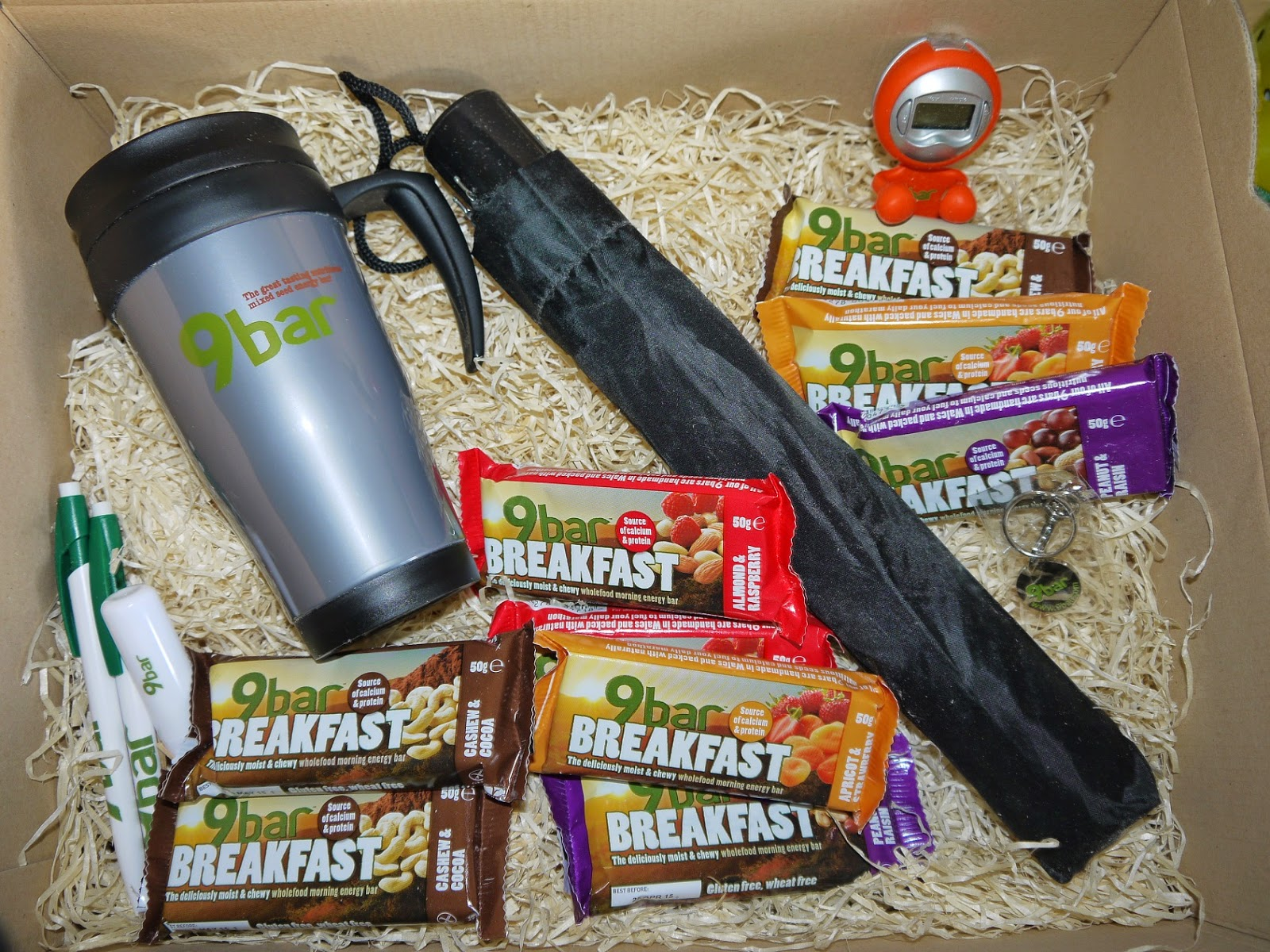 hamper, breakfast bars