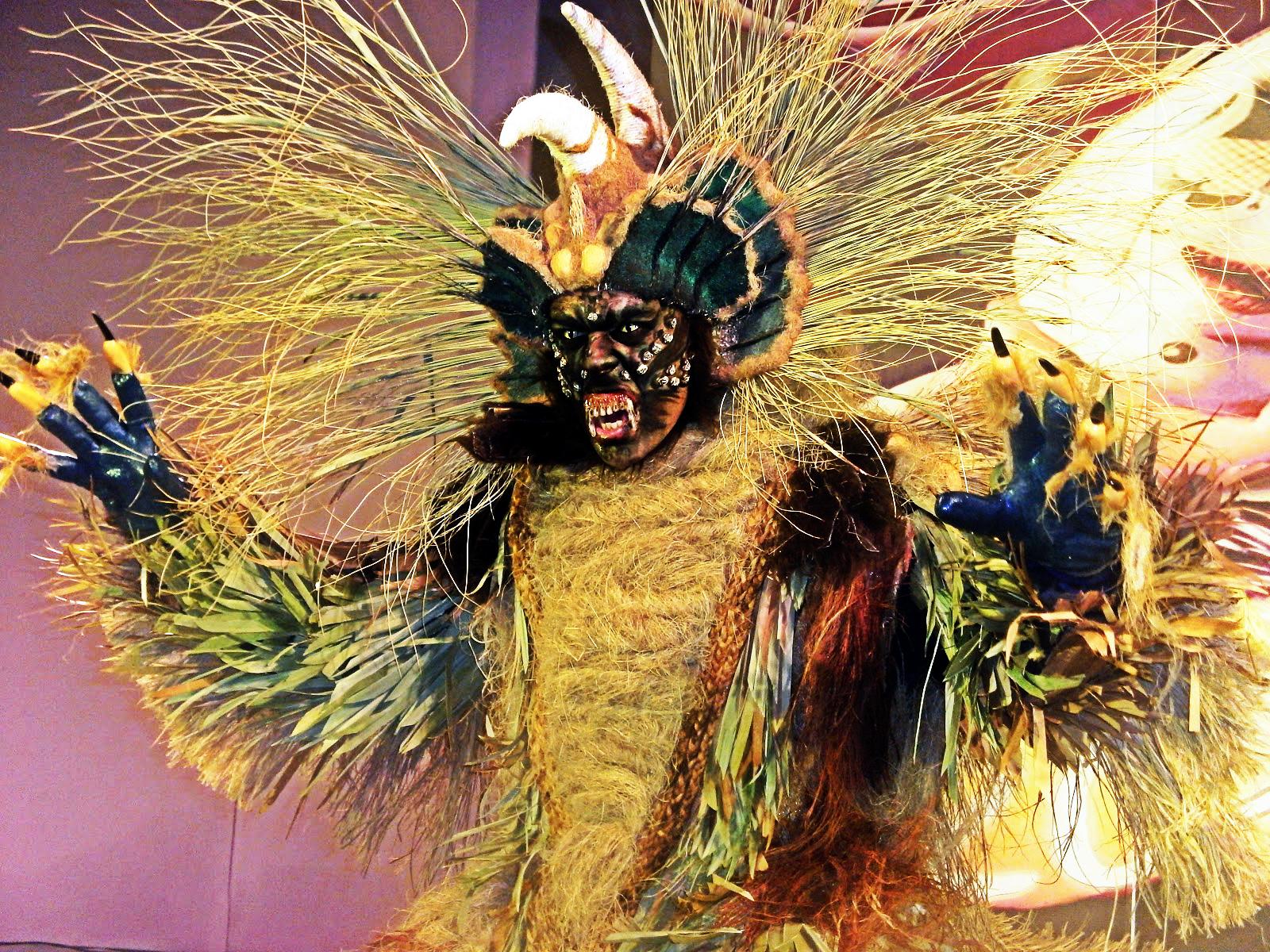 Resultado de imagen de la fiesta de los monstruos, los otros pareceres antropológicos europeos .