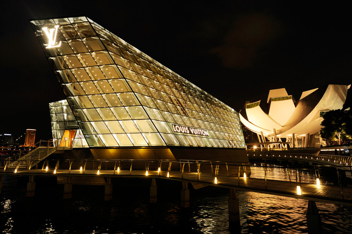 L 39 ile louis vuitton la boutique du marina bay sands for Dans quel pays se trouve singapour