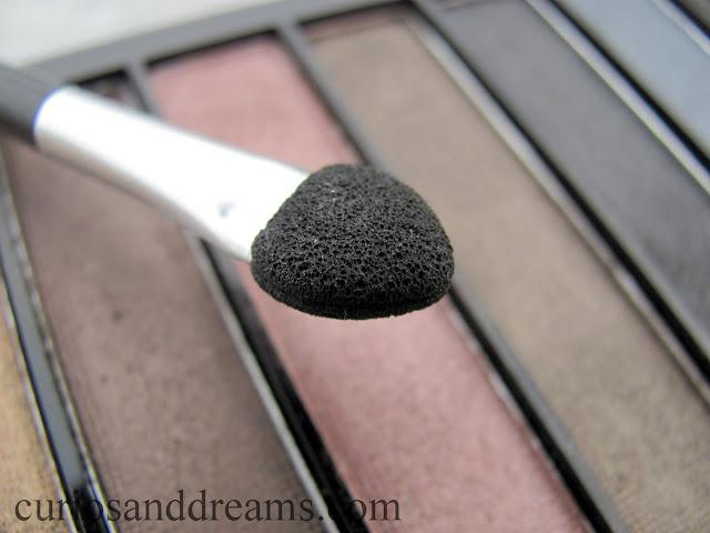 Makeup Revolution Iconic 1 Redemption Palette review, Makeup Revolution Iconic 1 Redemption Palette swatches