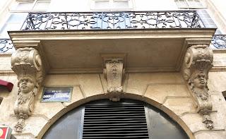 Balcon du 23 rue Danielle-Casanova à Paris