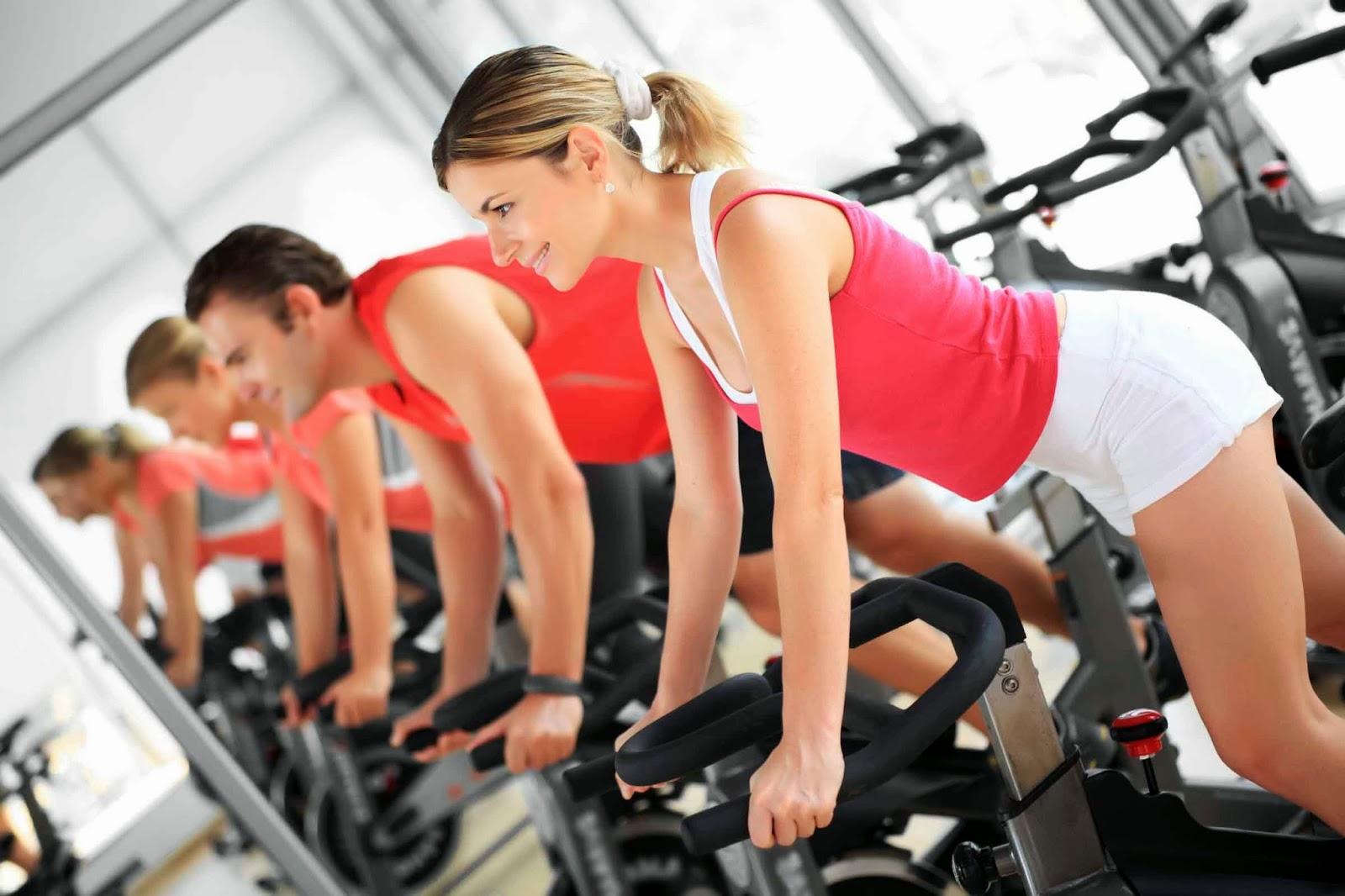 Asistir a un gimnasio. ¡Tiene muchos beneficios!