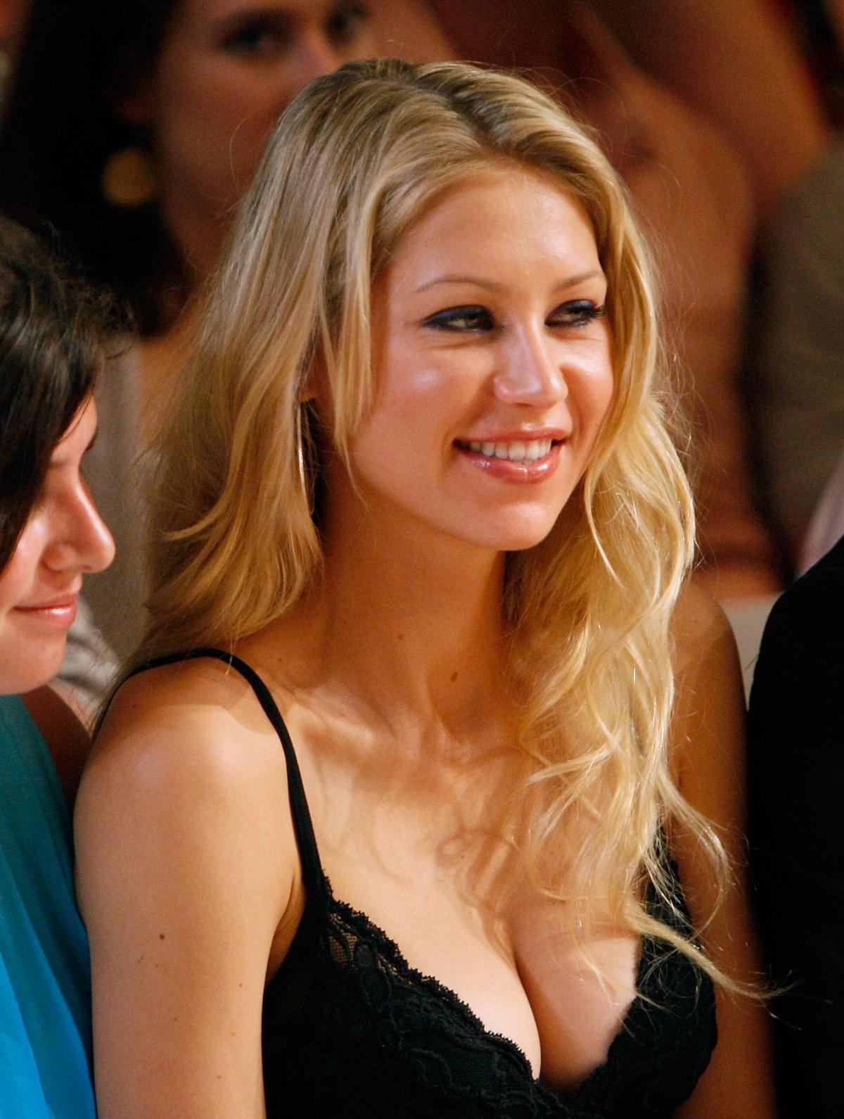 http://4.bp.blogspot.com/-cgnOtHz2FdA/Tc2HHwpwaTI/AAAAAAAADxM/oLdvrbeu7tA/s1600/Anna+Kournikova.jpg