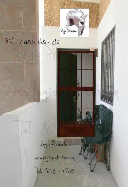 Regio protectores reja de pasillo y puerta mosquitera for Puerta mosquitera