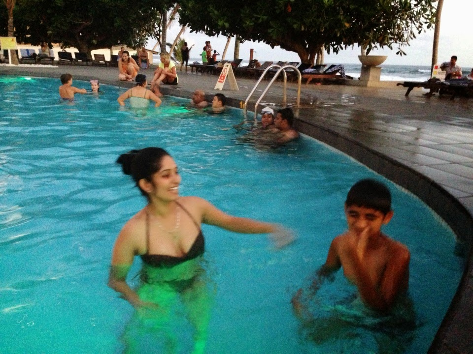 Susan Zareena bikini pool