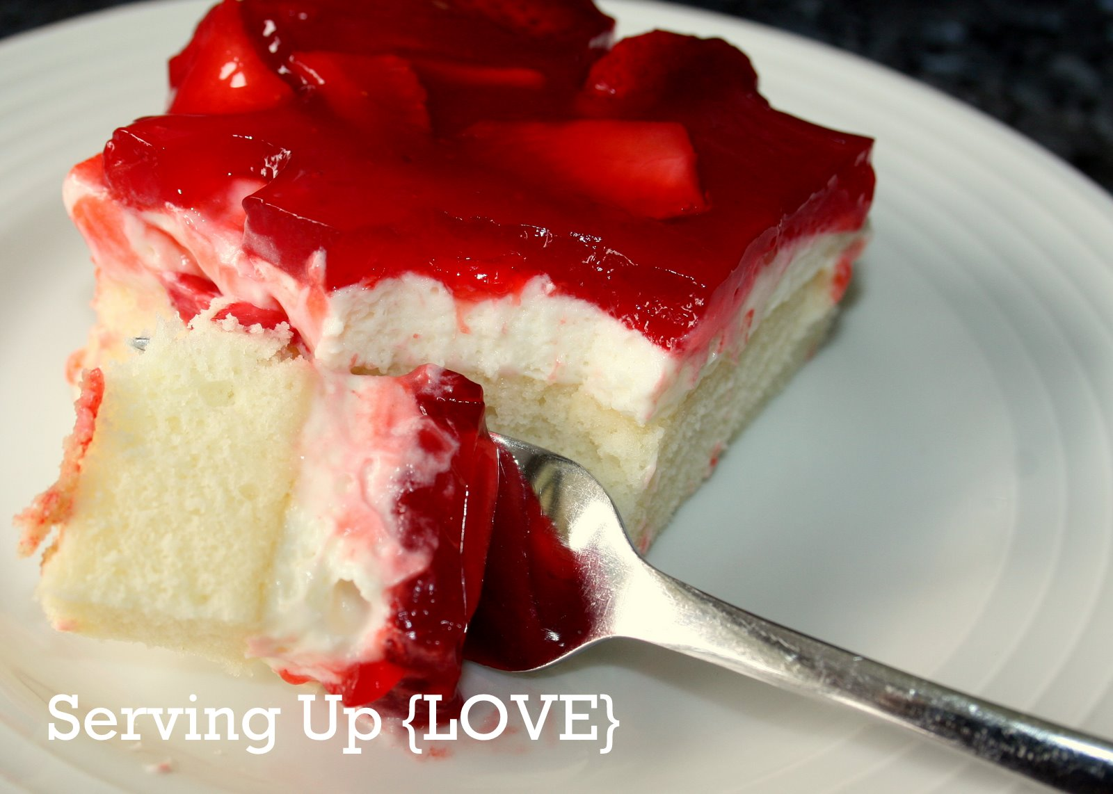 Katherine's Kitchen: Serving Up {Cake}: Strawberry Cream Cake
