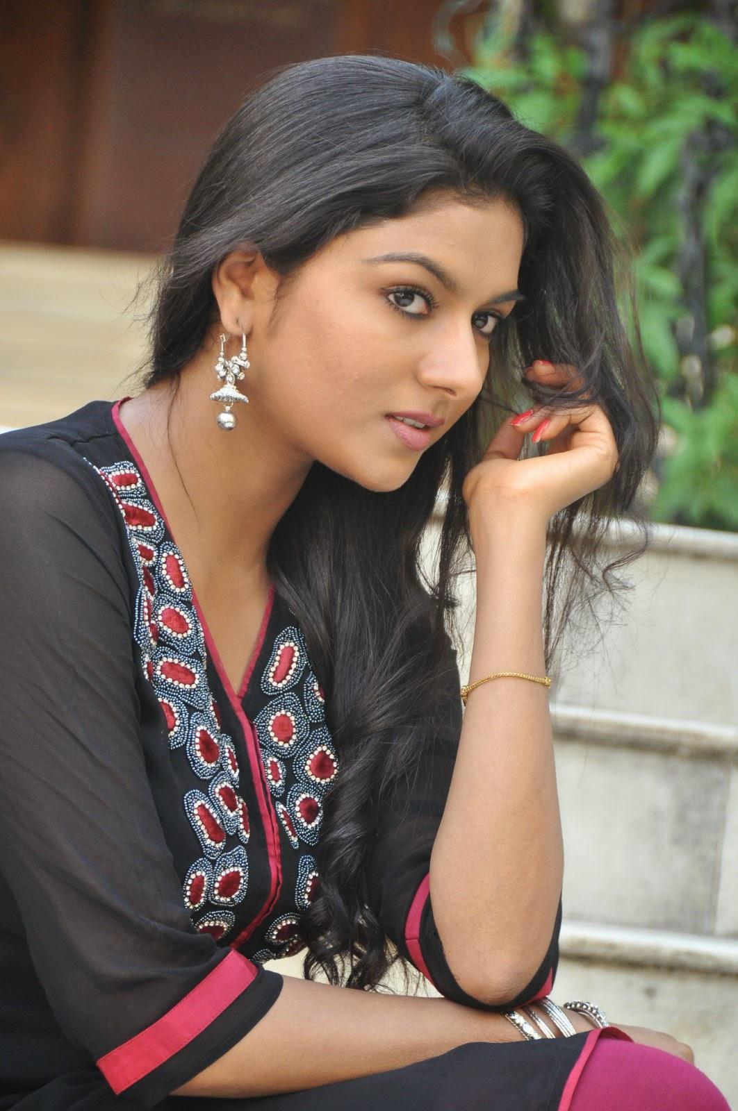 Akshaya glam photo shoot gallery-HQ-Photo-20