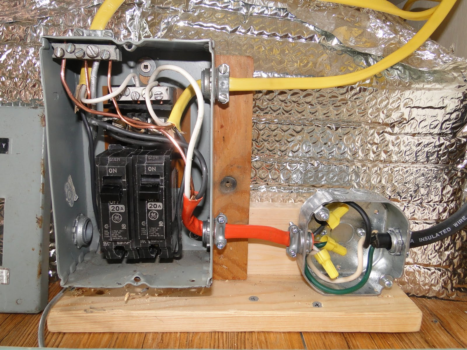Southern Chick and a Trailer: Electrical System