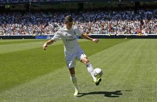 Foto bale real madrid 9 Foto Gareth Bale Berkostum Real Madrid