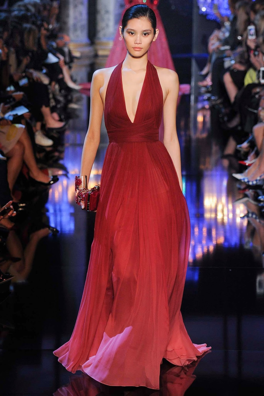 Robe de mariee rouge haute couture