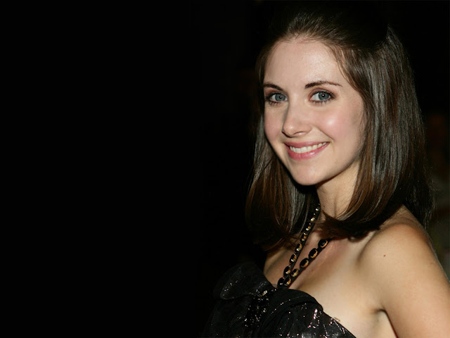 Alison Brie sexy in dress