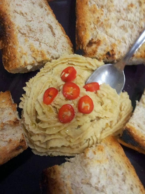 hummus di ceci, aperitivo vegan
