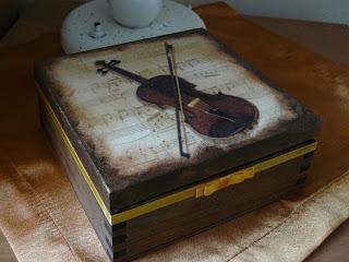 wyroby decoupage - muzyczne pudełko