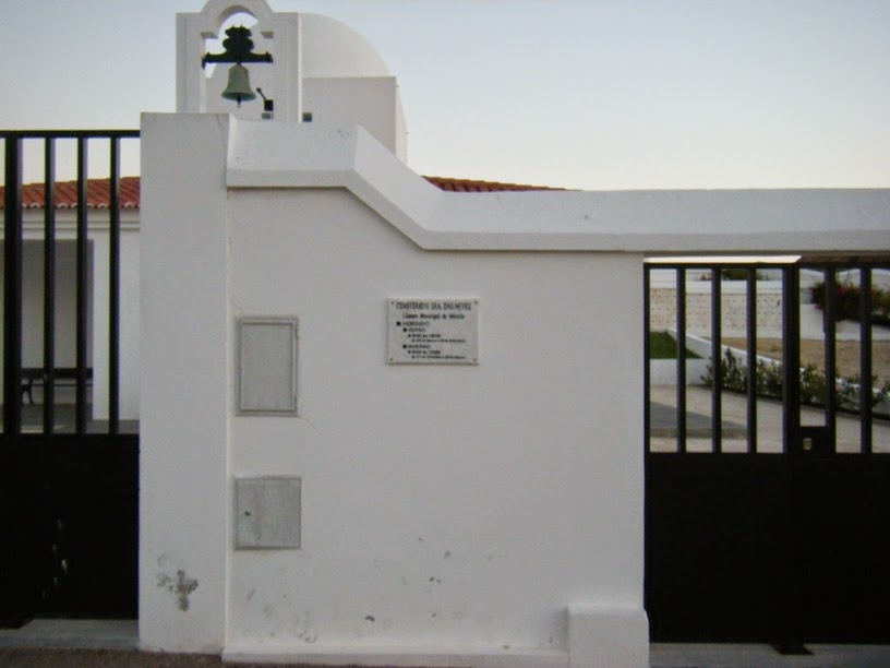 Entrada Cemitério Sr das Neves