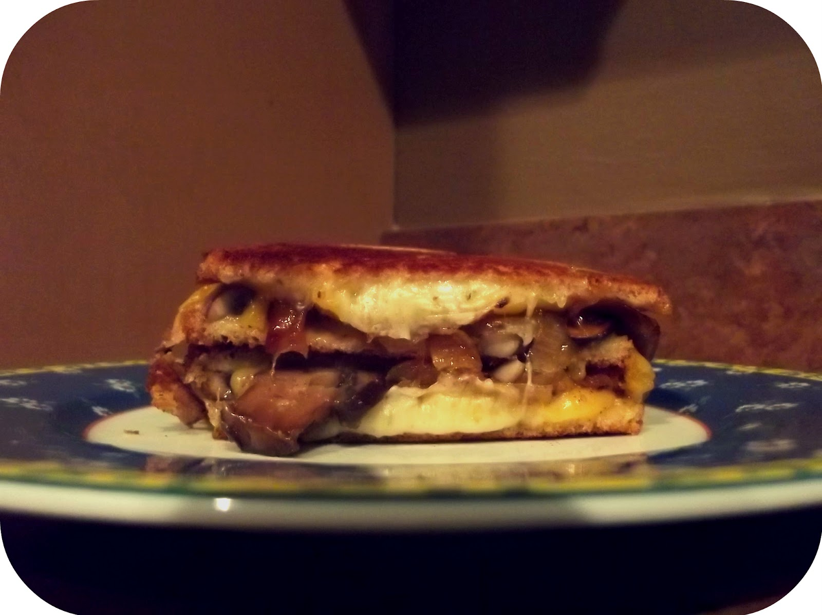 Ryan Is Baking: Grilled cheese sandwich with sauteed mushrooms and ...