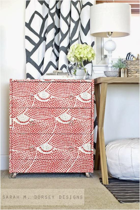 Pintar o forrar los muebles para transformarlos por completo