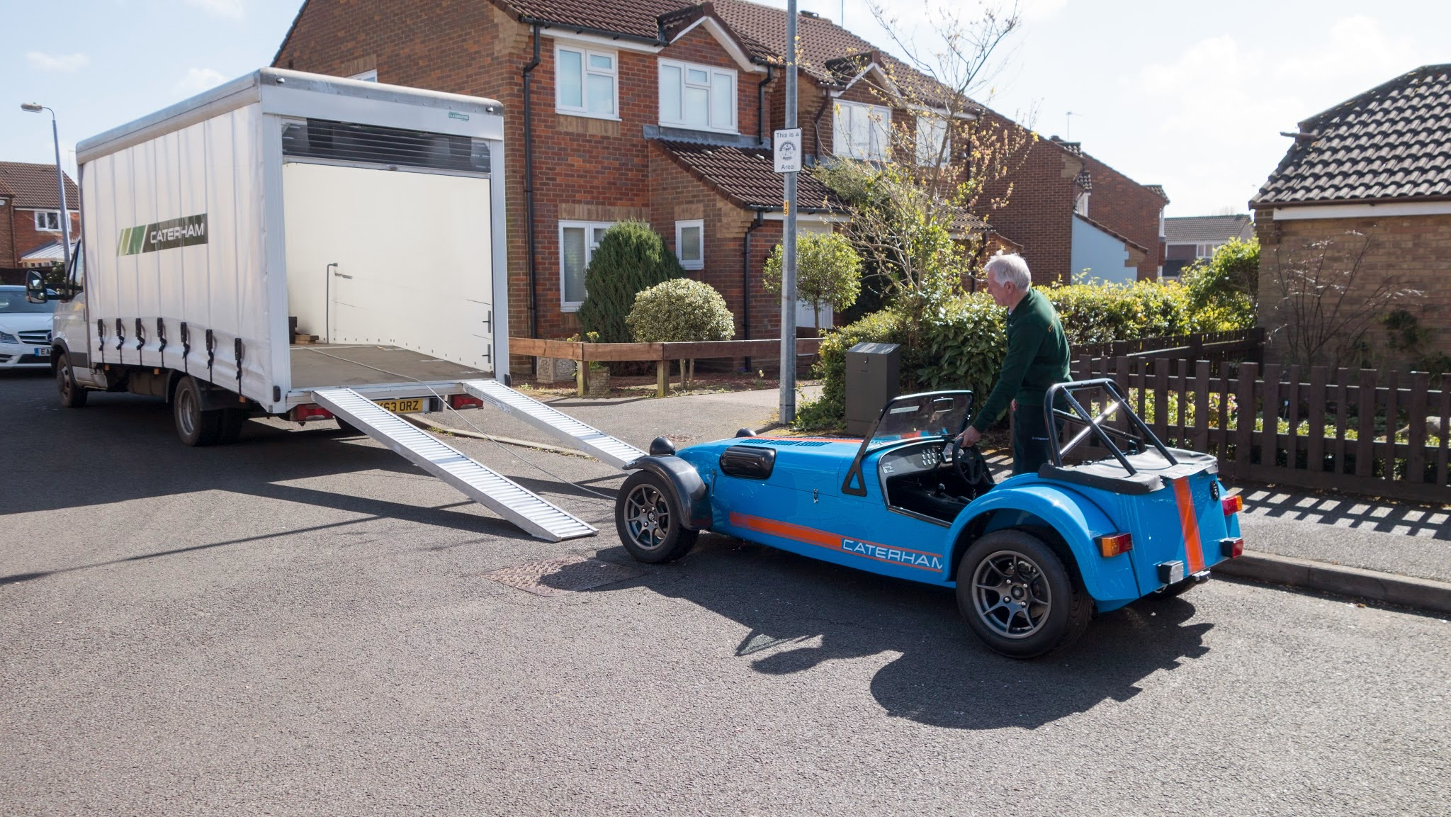 Ian preparing the car for loading into the Caterham van.