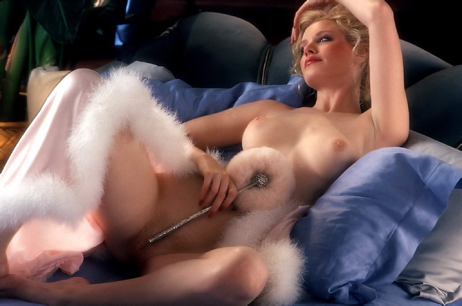 Shannon tweed uncensored pussy pics with