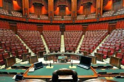 Radio gold news ecco quanto guadagnano i politici for Nomi politici italiani