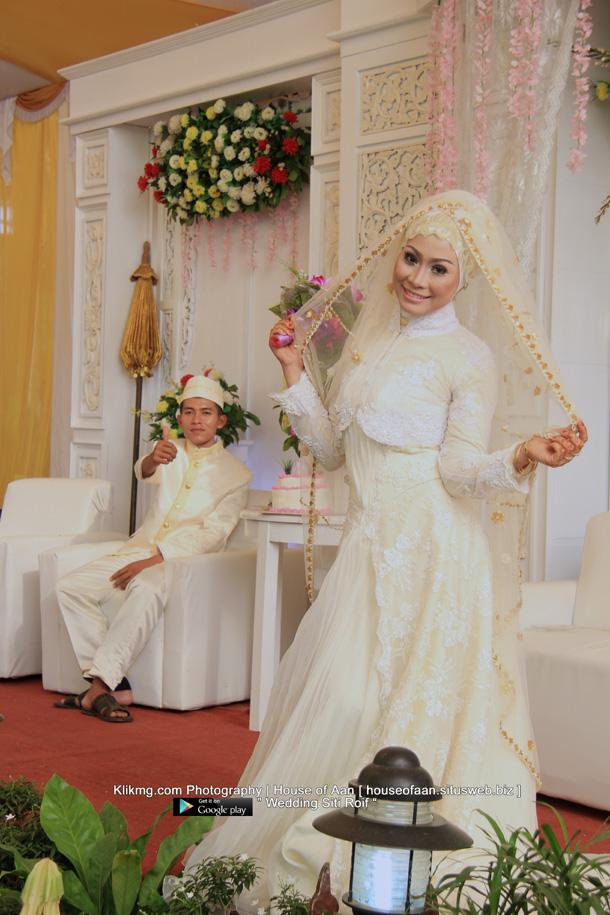 Foto Wedding SITI & ROIF - 23 Juli 2015 | Tata Rias, Busana & Dekorasi oleh : House Of Aan Purwokerto | Foto oleh Klikmg Fotografer Purwokerto