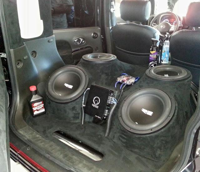 Nissan Cube custom stereo
