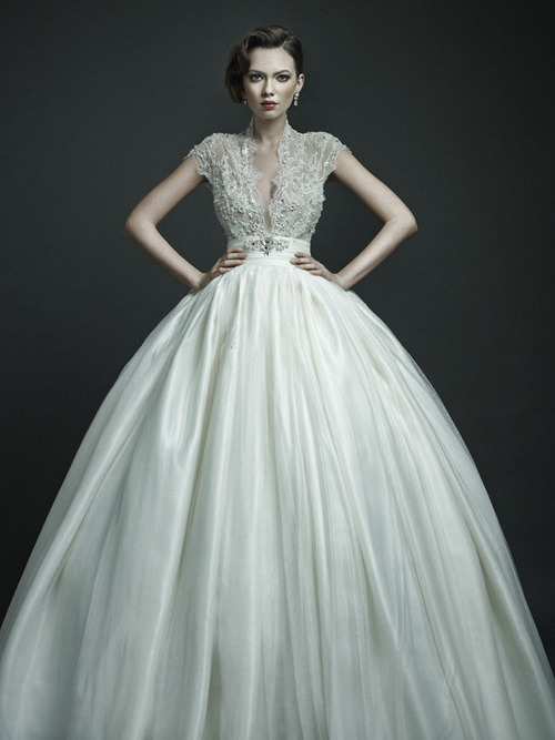 Dawn J\'s fashion wedding gown: October 2012
