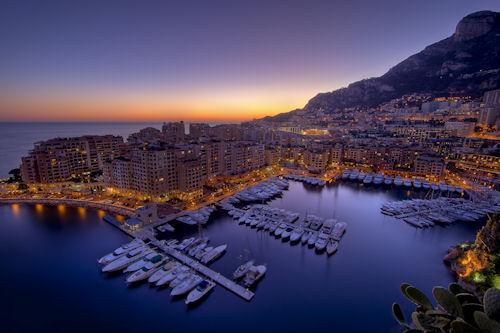 Hermosa ciudad junto al mar (vista panorámica a 1920x1200) - A demain fontvieille